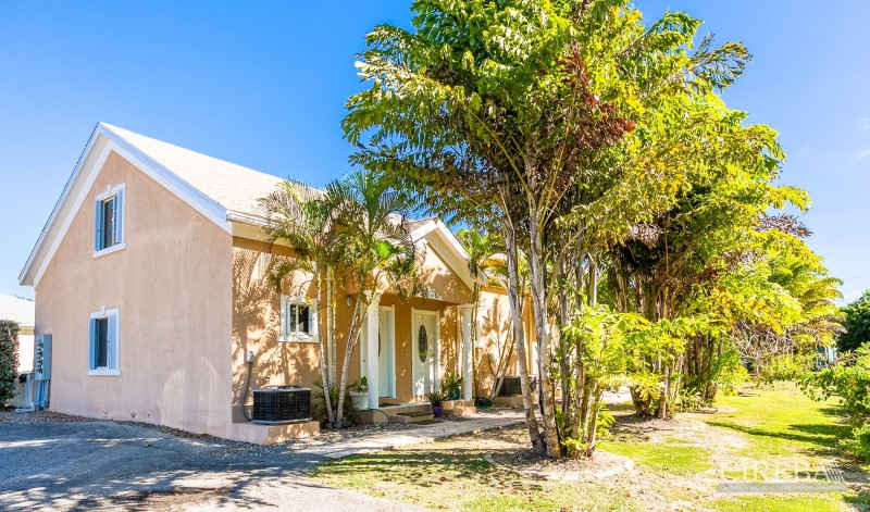 House for sale in Grand Cayman.